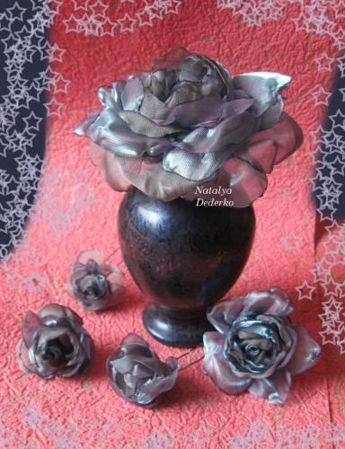 Роз из ткани для выпускной причёски